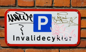 DisabledCyclistSign-300x184