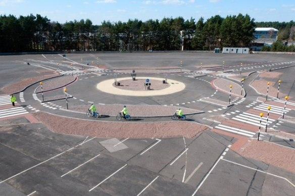 Dutch style roundabout test TfL